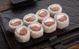 Мини ролл с лососем
